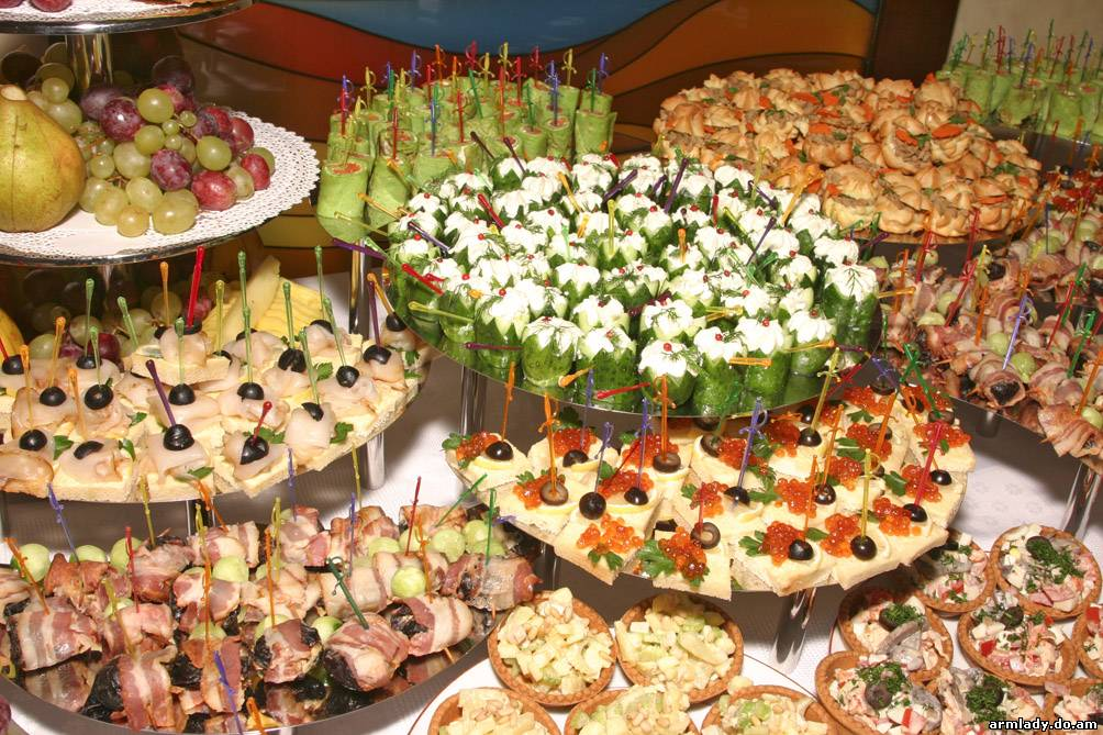 http://congress-catering.ru/images/gallery/image_text/furshet_zaglavnaya.jpg